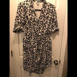Dresses & Skirts - Black & white high-low dress